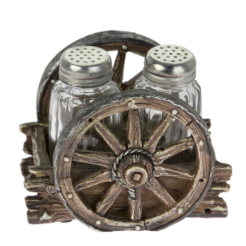 Western Wagon Wheel Salt & Pepper Shaker Set - SP-03
